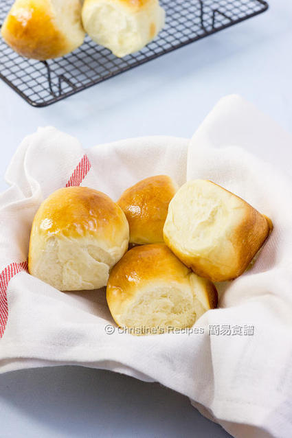 Butter Buns (with Tips on making fresh buns for breakfast) | Mangiare diverso | Scoop.it
