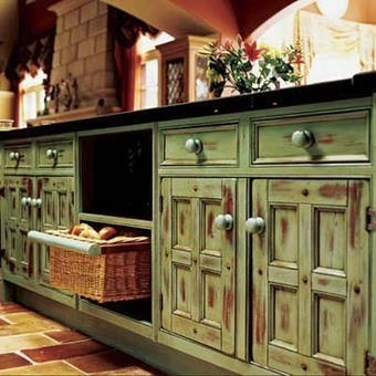 Distressed Kitchen Cabinets in an Old Look   Home Decorating Ideas   Scoop.it