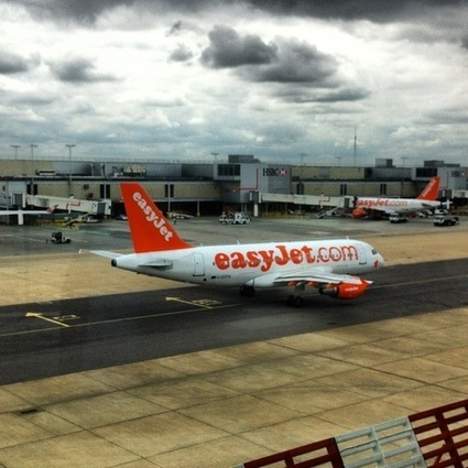 Planespotting at London Gatwick airport | Allplane: Airlines Strategy & Marketing | Scoop.it