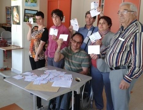 France Bleu | Une centaine d'handicapés savoyards renvoient leurs cartes d'électeurs à François Hollande | Think outside the Box | Scoop.it