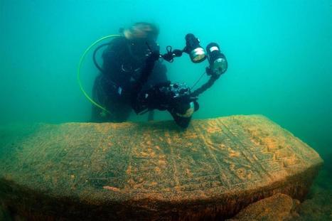 El lago Van esconde lápidas del período selyúcida en sus profundidades | Arqueología submarina y subacuática, Navegación histórica,  Ciencias y Técnicas Auxiliares y afines. Investigando en Arqueología  Submarina. | Scoop.it