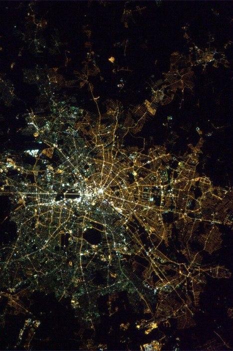 Découvrez comment Berlin est toujours coupée en deux 24 ans après la chute du Mur   Rainbow Berlin   Scoop.it