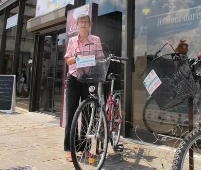 Vélos à louer à l'office de tourisme - 28/07/2014, Châteauroux (36) - La Nouvelle République | Tourisme Sully, Loire et Sologne | Scoop.it
