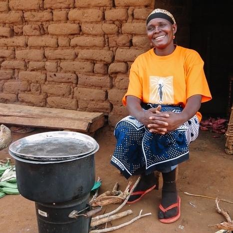Les femmes stimulent le développement de l'énergie solaire en Afrique subsaharienne | Solutions et propositions écologiques | Scoop.it