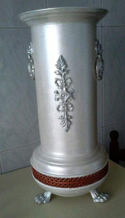 Paragüero decorado con acrílicas | Mano a Mano con Cari | artes decorativas | Scoop.it
