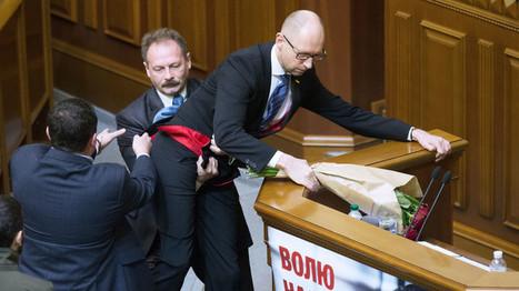 Politique ukrainienne en 2015 : Star Wars, têtes de vaches et Premier ministre emporté de sa tribune | Infodetox | Scoop.it