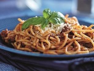 Spaghetti Bolognese met Parmezaanse kaas | La Cucina Italiana - De Italiaanse Keuken - The Italian Kitchen | Scoop.it