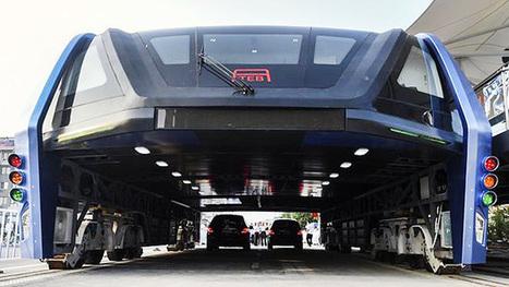 'Superônibus' que trafega sobre carros é testado nas ruas na China | Design e Tecnologia - www.designresiliente.com.br | Scoop.it