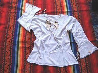 Weißes peruanisches folklore Shirt mit Fledermaus Ärmel, Baumwolle | Produkte aus Peru | Scoop.it