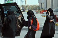 Saudi Women Drive on Anniversary of Campaign to End Ban | Geography 400 at ric | Scoop.it