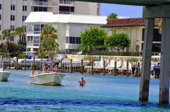 Un dimanche ordinaire en Floride   Voyage en Catamaran, rien de plus simple.   Scoop.it