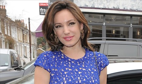 Kelly Brook looks radiant in London - Sexy Balla | Daily News About Sexy Balla | Scoop.it