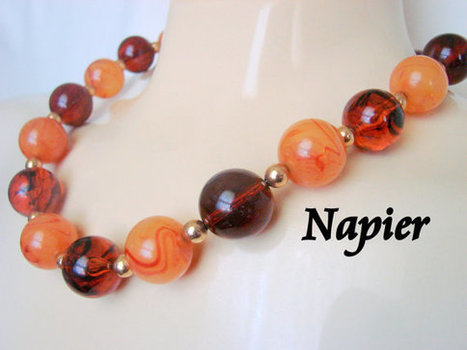 Napier Simulated Amber Lucite Bead Necklace / Designer Signed / 80s Vintage Jewelry / Jewellery | Vintage and Antique Jewelry & Fashion | Scoop.it