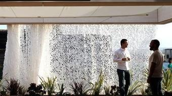Made for shade: Curtains and blinds move to the outside of houses - Los Angeles Times | Retractable screens for your home | Scoop.it