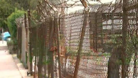 Some Carson Residents Oppose Proposed Ban On Chain-Link Fences - CBS Local | Chain Link Fence and Related Wire Products | Scoop.it