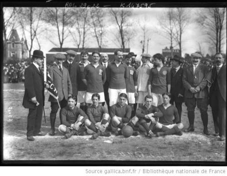 équipe du Football club de Rouen  - 1913 | [photographie de presse] / [Agence Rol] | Gallica | Rouen | Scoop.it
