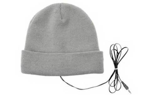 Un bonnet à écouteurs intégrés — (Semi) WTF Mode - madmoiZelle.com | Des femmes à notre image | Scoop.it