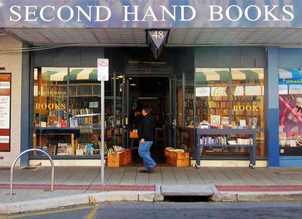 La propriété toute relative des bibliothèques sur leurs ebooks   bibliothèques et numérique   Scoop.it