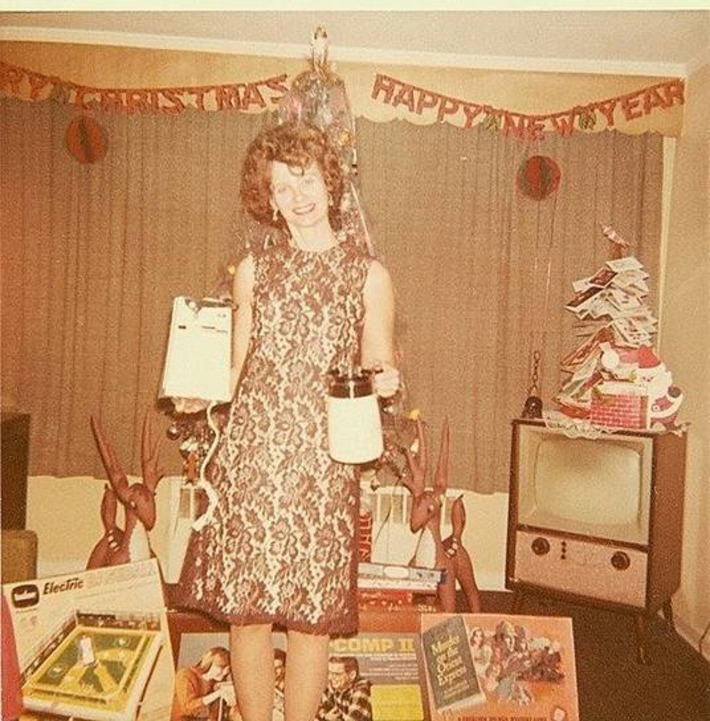 Mom Get's Small Appliances As Gifts #vintage #kitsch | Kitsch | Scoop.it