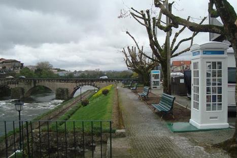 Antiga cabine telefónica é a mais pequena biblioteca do país | P3 | Bibliotecas Escolares | Scoop.it