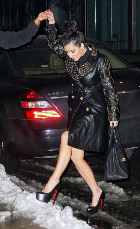 stilettos + snow + Donatella Versace's H&M coat = guaranteed attention | chaussures homme | Scoop.it