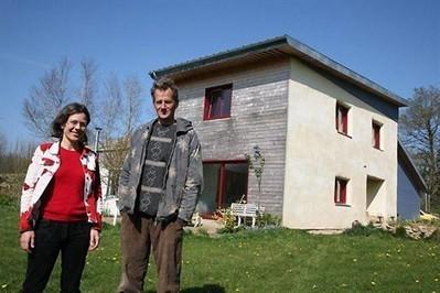 [témoignage] Marie et Hervé Le Gall ont construit leur maison en paille | Immobilier | Scoop.it