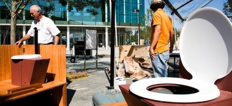 The Toilet of the Future Doesn't Need Water, Runs on Sunshine | omnia mea mecum fero | Scoop.it