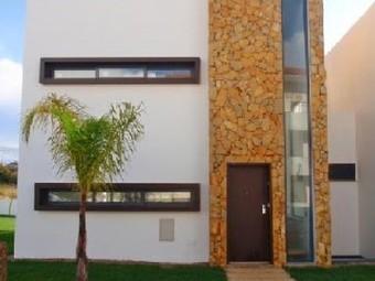 Algarve - Albufeira – En vente, une villa de charme 4 chambres-à-coucher, située à Acoteias, à seulement 5 minutes de la plage et du terrain de golf. - Agence immobilière internationale Lyon real e... | Immobilier Portugal | Scoop.it