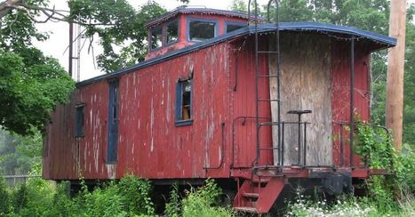 Old Abandoned Train Is Transformed Into A 400-sq-ft Tiny House, And It's Gorgeous | Ruinology | Scoop.it