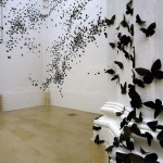 Black Cloud: Carlos Amorales Adorns Gallery Walls with Thousands of Black Paper Moths | Colossal | design la mano de la buena fortuna | Scoop.it