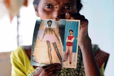 Twitter / down2earthindia: Sadhana Das holds photo of ... | Hippocrates Versus Hypocrites | Scoop.it