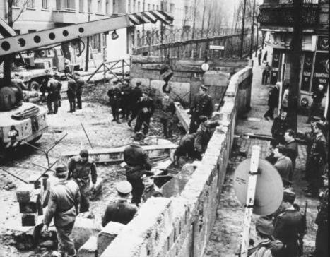Construção do Muro de Berlim | chocolate | Scoop.it