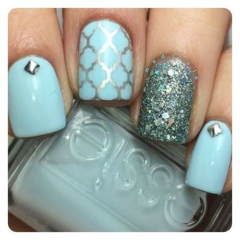 Christmas nails design 23 – Picturing Images | Fashion Home decor Tattoos Beauty Pictures | Scoop.it