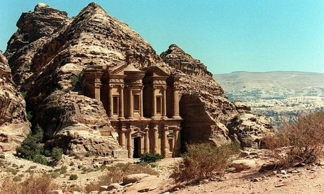 Archaeologists discover massive Petra monument that could be 2,150 years old | News in Conservation | Scoop.it