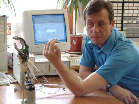 Kevin Warwick - Home Page | Cyborgs_Transhumanism | Scoop.it