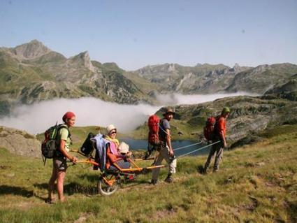 Solidarity hike in the south Pyrenees (Bagnères-de-Luchon) - Reviews and Photos | Press Review about the Joëlette | Scoop.it