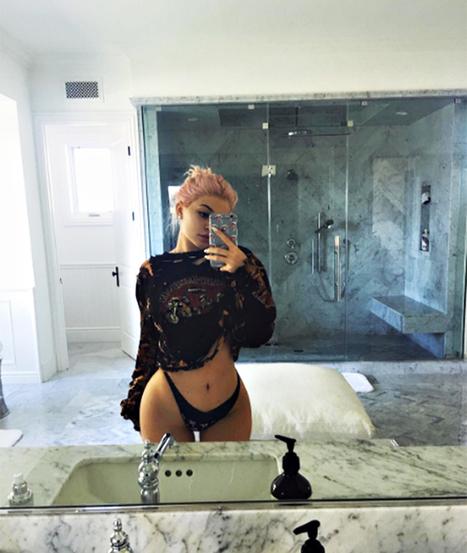 Kylie Jenner,  lato b identico a quello di Kim Kardashian | culi femminili | Scoop.it