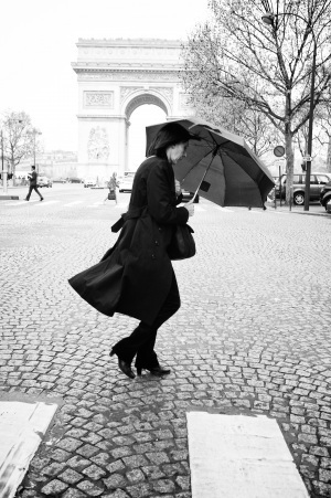 The woman with an umbrella | stFOTO | Scoop.it