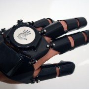 Speak to the hand - Glove One Phone | Gear and gadgets | Scoop.it