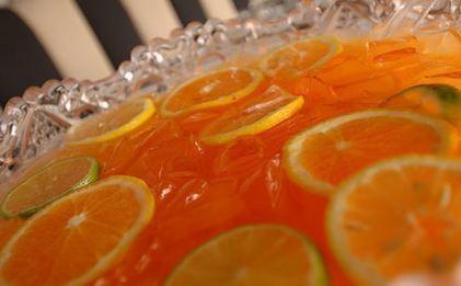 Recette de punch au gin à la grenade et à l'orange - spécial réveillon de la Saint-Sylvestre | boissons de rue, cocktail, smoothies santé, Boissons fraîches et chaudes du monde, | Scoop.it