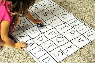 The Amazing Mess: Preschool Basics: Alphabet Game Board from a Shower Curtain | Literacia no Jardim de Infância | Scoop.it