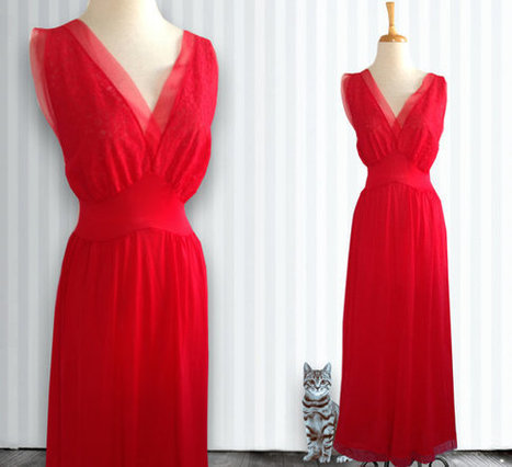 Vintage 1960s Nylon Nightgown in Red, Nightgown, Vintage Gown, Size Large | DustyDesert vintage | Scoop.it