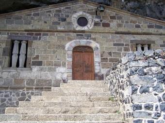 Chapelle de la Madeleine - Main courante - Puy en Velay - Saugues   Saint Jacques de Compostelle   Saint Jacques de compostelle   Scoop.it