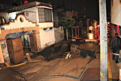 Socavón origina desalojo de 15 familias en Iztapalapa | Seguridad Metropolitana | Scoop.it