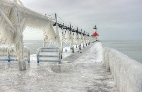 Frozen lighthouses in Michigan by photographer Thomas Zakowski | Photography | Scoop.it
