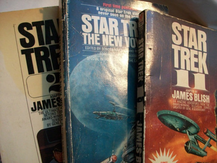 Vintage paperback Star Trek Paperbacks  Vintage by GTDesigns | Antiques & Vintage Collectibles | Scoop.it
