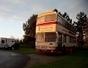 Ils vivent dans un bus converti en… duplex ! - Insolite | Funny News | Scoop.it