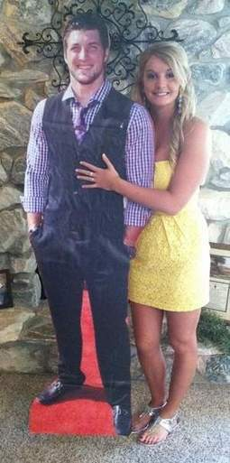 Lifesize Tebow cutout accompanies Iowan to her senior prom | MORONS MAKING THE NEWS | Scoop.it