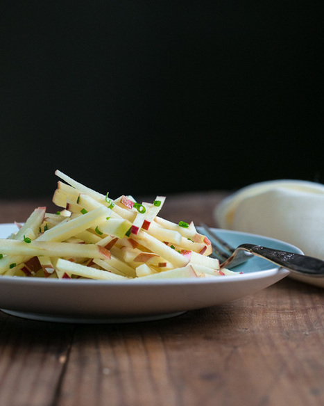 Apple, Manchego, and Chive Salad | a Couple Cooks | À Catanada na Cozinha Magazine | Scoop.it