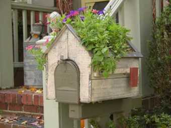 By The Cottage Door - Planters | Eco-friendly roofs:  green, white, and garden | Scoop.it